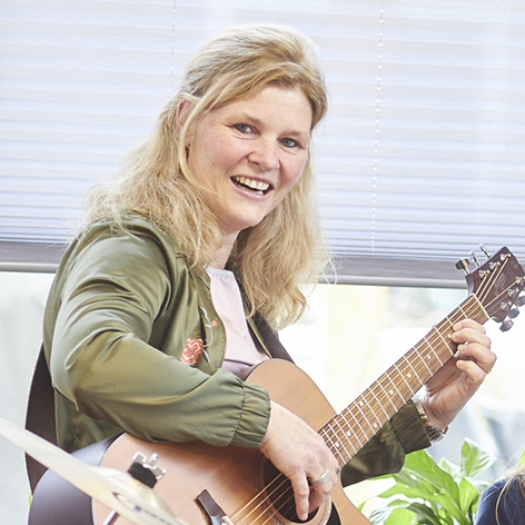 Muziektherapeut gitaar