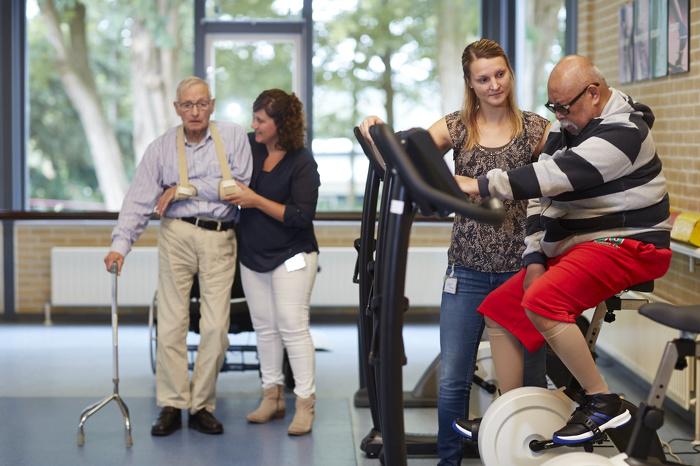 Fysiotherapie voor onze bewoners